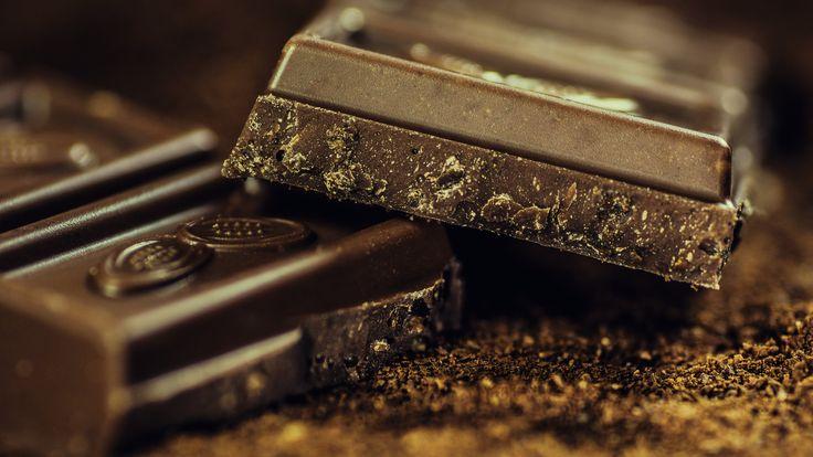 Black_Chocolate_UHD.jpg (3840×2160)
