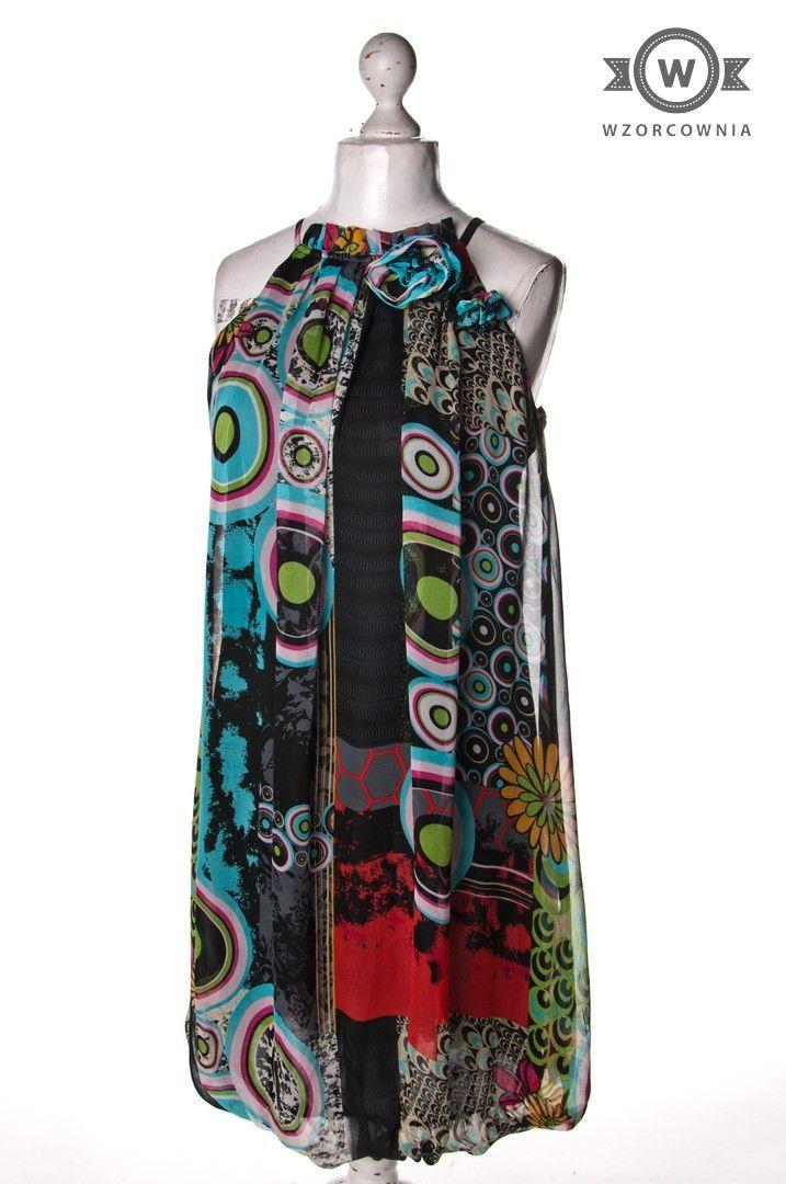 >> Wzorzysta #sukienka z kwiatkami przy dekolcie #Wzorcownia online  | My Collection Design | #woman #dress