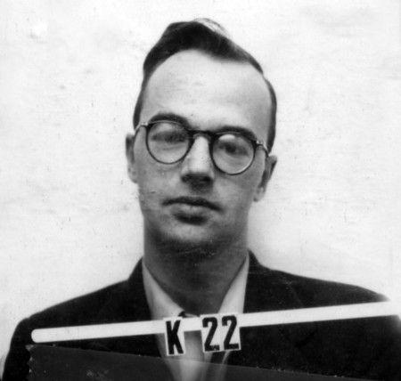 Klaus Fuchs, proporciono datos de la bomba atomica los sovieticos...