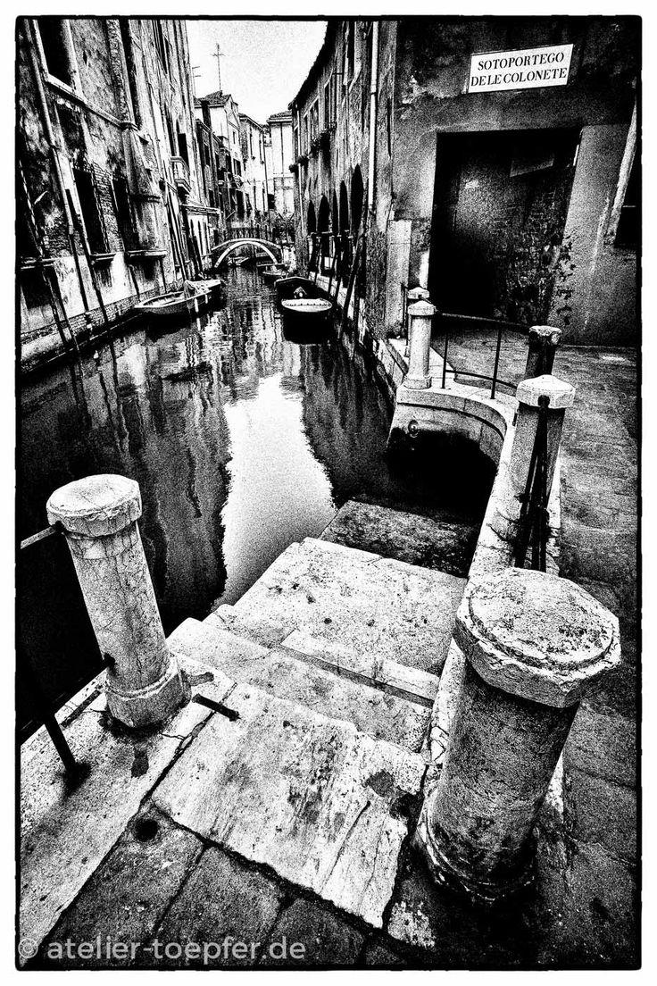 Der Reiz einer Hochkontrast-Fotografie besteht darin, Schwarz-Weiß-Bilder so wirken zu lassen, als seien es Lithografien: grafisch, ohne Halbtöne gerastert. (Cool Photography)