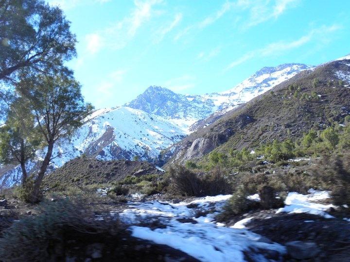 Subiendo la Cordillera de los Andes en el Cajón del Maipo, Santiago de Chile.