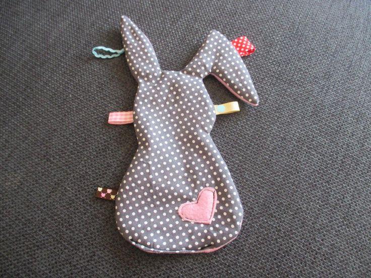 Knistertücher - Knistertuch Hase - ein Designerstück von MiaLina00 bei DaWanda
