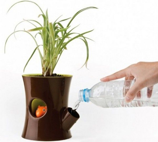 Flower's Best Friend: Log and Squirrel Self-Watering Pot