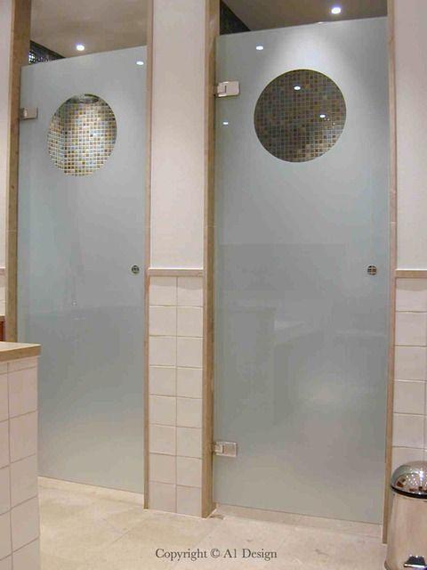 Duschdörrar med hål