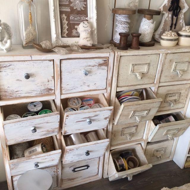icchiさんの、牛乳パック再利用,エコ,材料収納,セリアのつまみ,シャビーペイント,小引き出しd,机,のお部屋写真