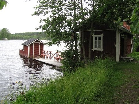 Summer cottage by the lake
