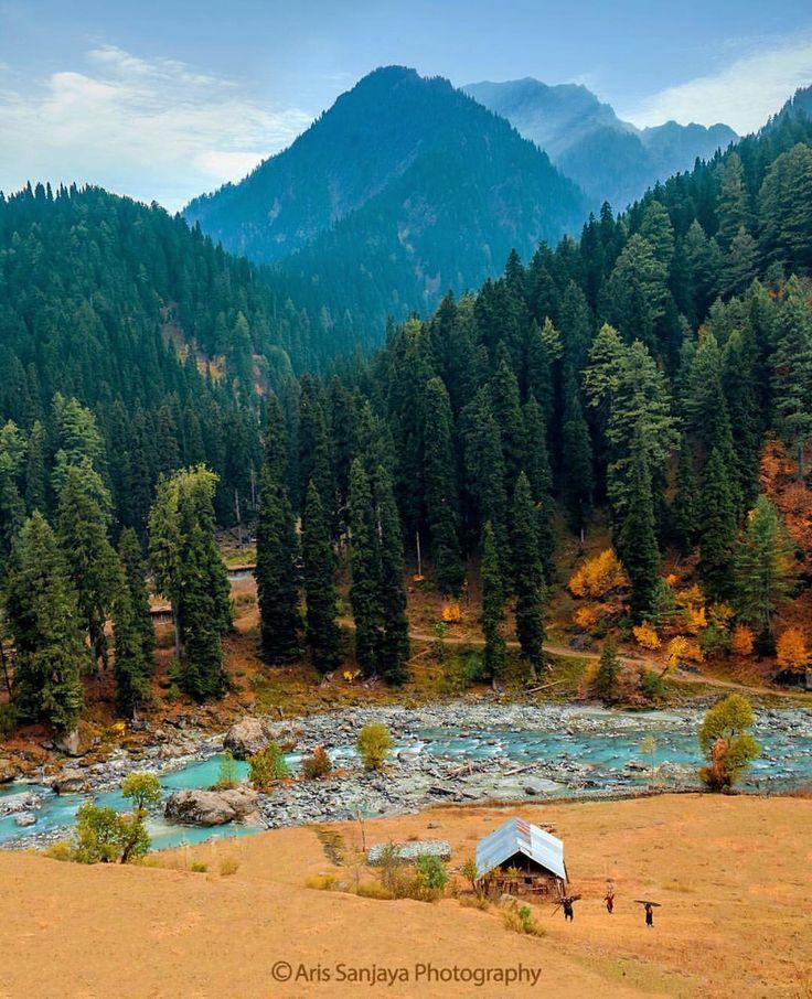 """""""Pahalgam Village"""" #khashmir #india #srinagar #pahagam #autumn #gipsy"""