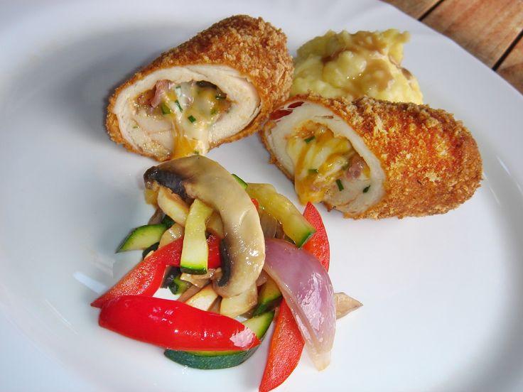 Minden idők legnépszerűbb receptjei közé tartoznak az olvasóim körében a töltött csirkemell receptjeim. Nem csoda, hiszen mi magyarok imá...