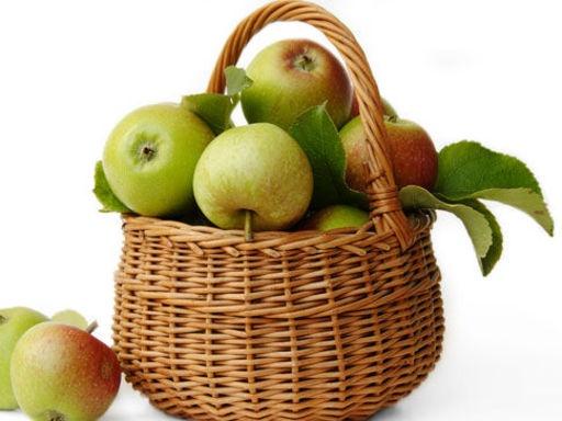5 RECETTES BIO AVEC DES POMMES    http://www.topsante.com/vivre-bio/manger-bio/5-recettes-bio-avec-des-pommes254