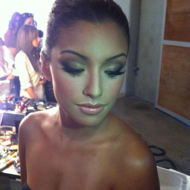 Gorgeous make up, love the glow!Day Makeup, Eye Makeup, Fake Eyelashes, Flawless Makeup, Flawless Face, Makeup Looks, Smokey Eye, Wedding Makeup, Lips Colors