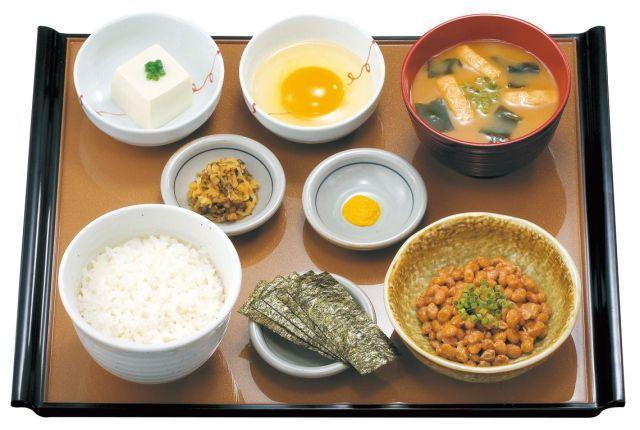 やよい軒の納豆定食370円のおかずで食べられるご飯の量wwwwwwwwww