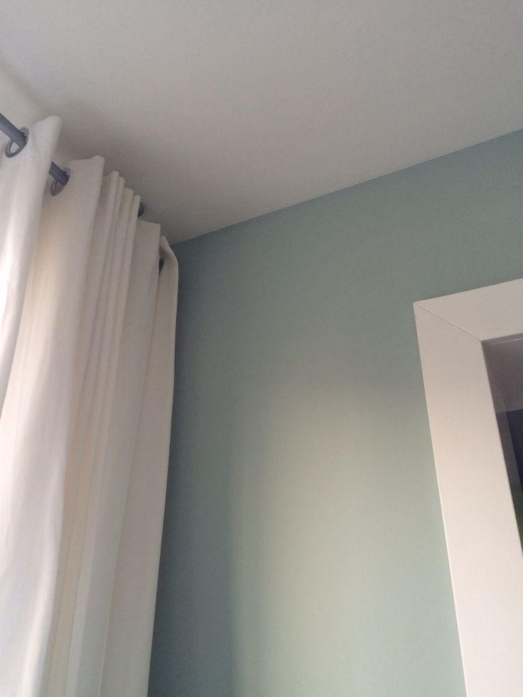 muren met #flexa Early Dew. Plafond en houtwerk wit. G E W E L D I G .... een aanrader.