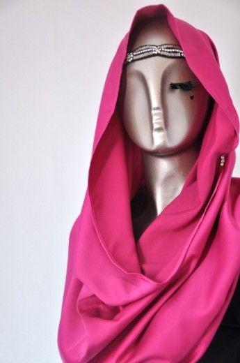 Snood Tajima Cavalli-Magenta - Snoods - Online Collection | Online Hijab Store in Singapore| Shawl | Hoodies | Hijabfashion|