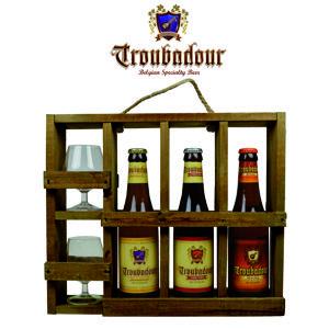 In dit Troubadour Proefrekje vindt u drie bieren van brouwerij Troubadour.  – Troubadour Blond 33cl – Troubadour Obscura 33cl – Troubadour Magma 33cl  In de degustatieglazen geniet u van deze heerlijke bieren. www.multicadeau.nl