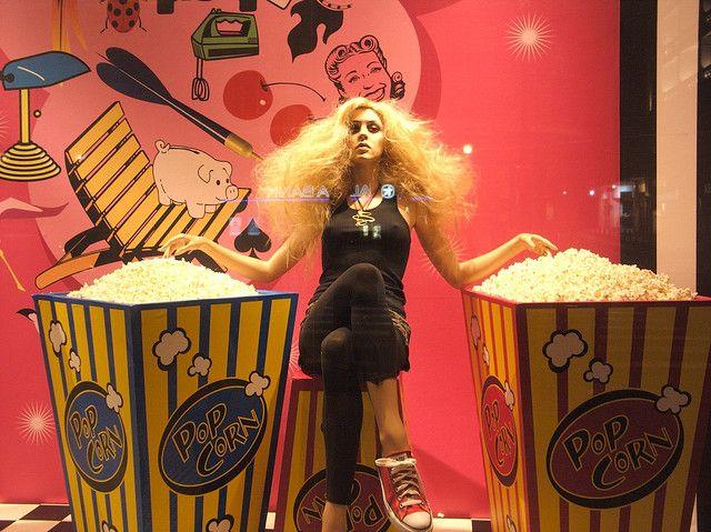 yummmmmm popcorn, pinned by Ton van der Veer