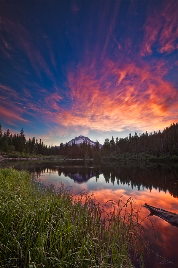 Mt. Hood from Mirror Lake · Mt. Hood National Forest · Government Camp · Oregon · USA