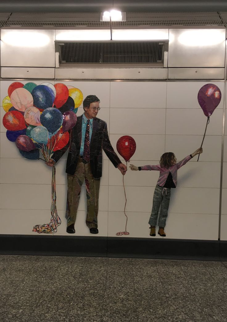 6 October 3, 2017 72nd Street (2nd Ave Subway), NYC IPhone SE Back Camera  This photo also used the concept of perception. The message of this picture can be perceived by every individual differently. Not only does it represent both genders, it has diversity in race and age as well. The balloons can symbolize sharing amongst society despite the just discussed factors such as race, age, religion etc.