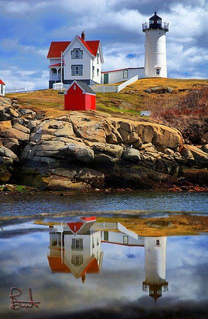 Lighthouse in York Beach, Maine - Day