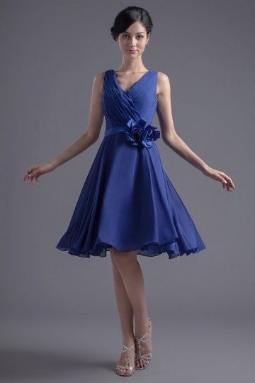 Robe de bal bleu courte orné de fleur