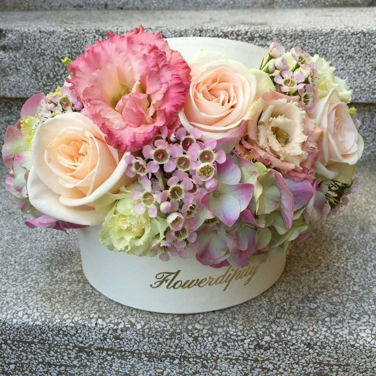 Pastel out of the box #pastel #flowers #box #roses #hydrangea #special #colors #flowerdipity #corporate #delivery