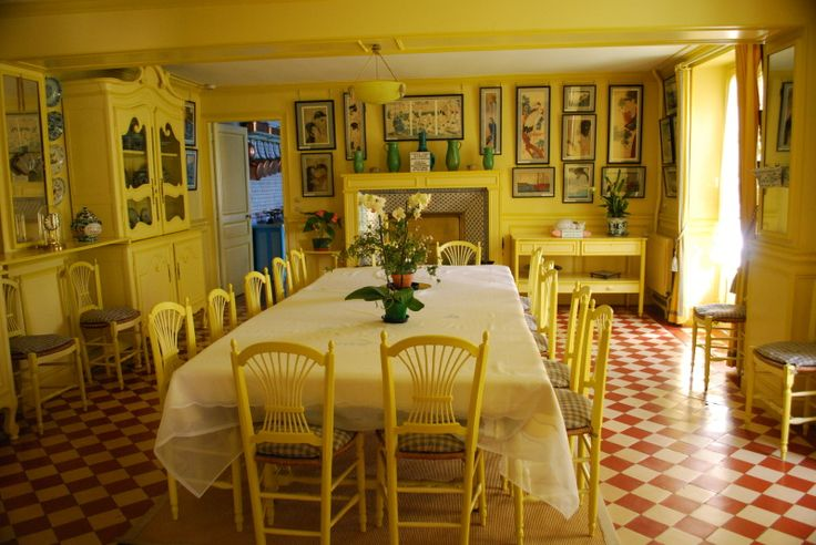 Another view, general impression of the Ponchon tiles in Monet's dining room