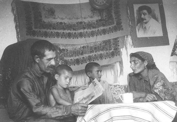 Reforging Roma into New Soviet Gypsies
