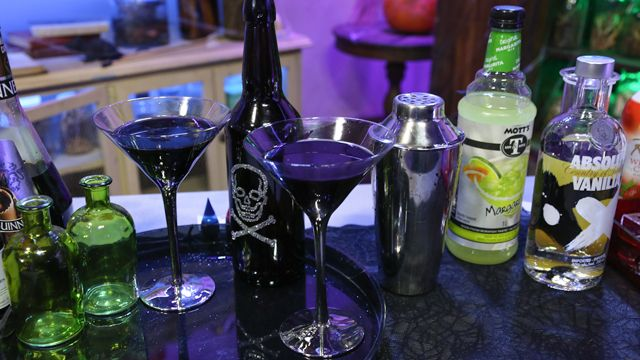 RECIPE: Embrace your Dark Side Martini #Halloween #Cocktail