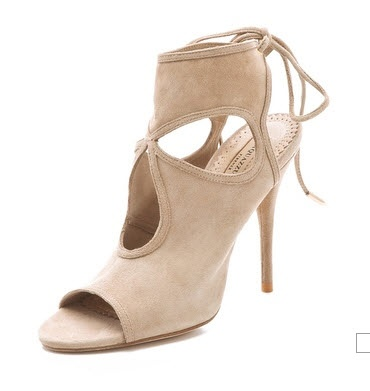 Aquazzura Sexy Thing suede sandals.  Comanda acum, se livreaza in Romania, afla amanunte aici: http://thankyou.ws/ce-pantofi-si-sandale-poarta-celebritatile-in-primavara-vara-2013