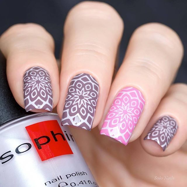 Mandala stamping nail art by @solo_nails using stamping plate MoYou-London - Kaleidoscope 04