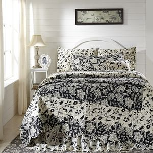 Great Prices! - Black and Crème Floral Wave Quilt! Be sure to visit our store at www.crystalcreekdecor.com