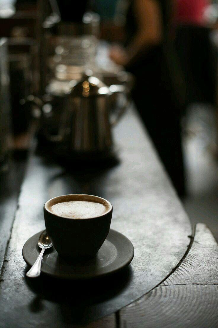 некоторых фото кофе ночью в кафе нет