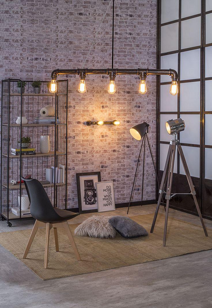 Si tienes espacios amplios y techos altos, una excelente opción es son las lámparas tipo industrial para decorar e iluminar tu hogar. #EasyTienda #Decoración #Iluminación #Industrial