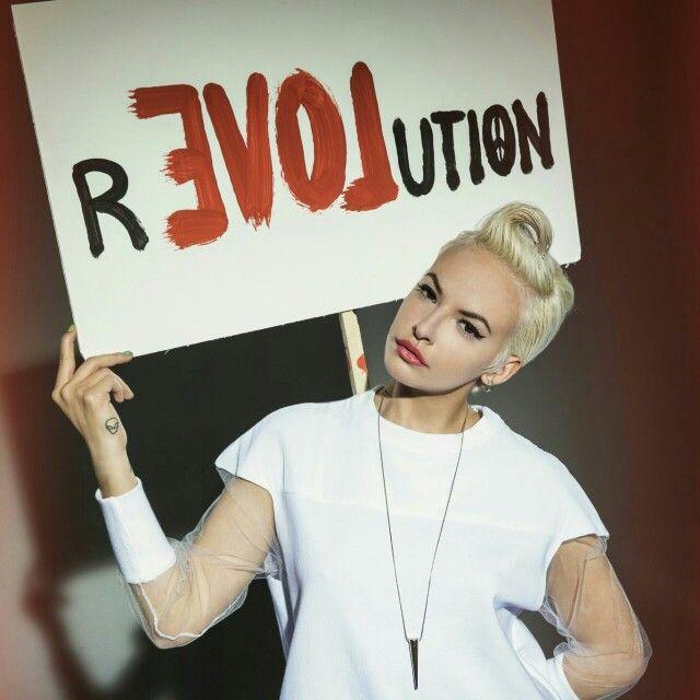 Revolution Q61
