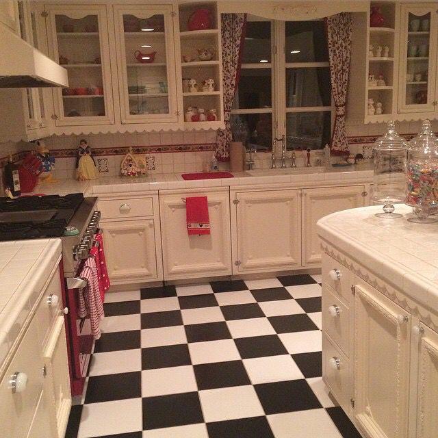 Holly Madison's kitchen ❤️