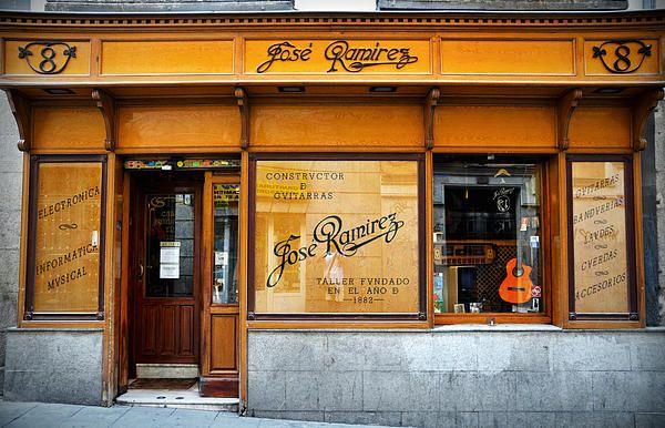 Ramirez Guitars workshop - By RicardMN Photography