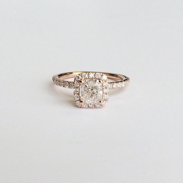 this is it the engagement ring 18kt gold