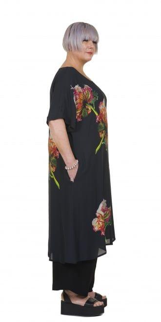 Okishi Dress with Oversized Flower Print