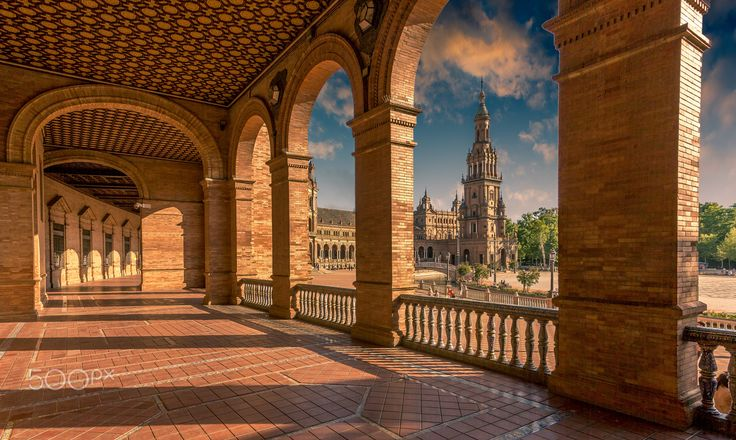 Sevilla Tiene un Color Especial - Exposure of the Plaza de España in Seville…