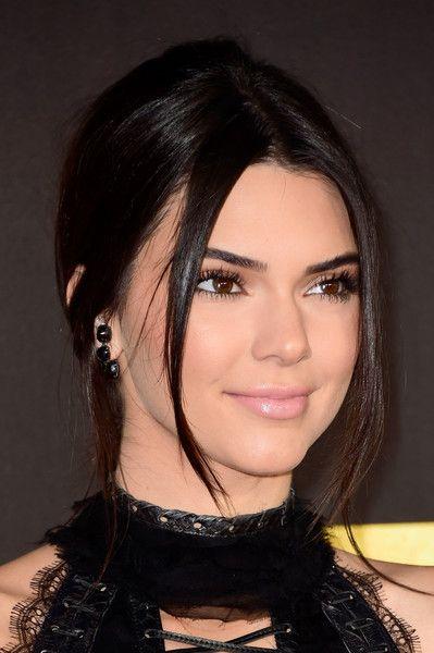 Kendall Jenner Photos - 2016 MTV Movie Awards - Arrivals - Zimbio