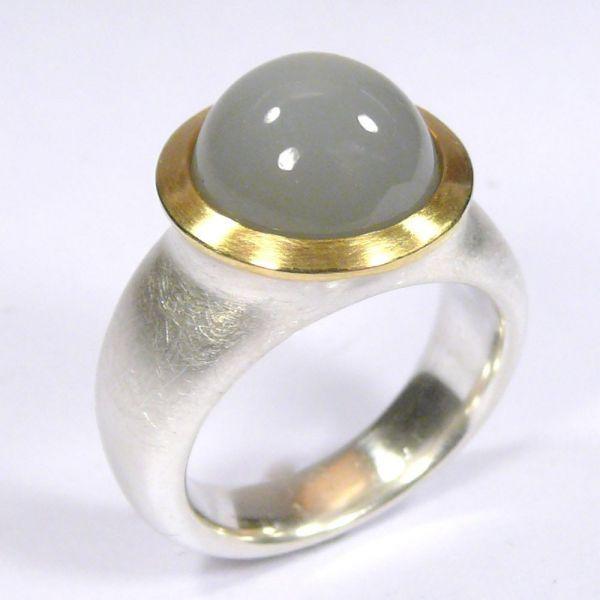 Ring, Silber 925/-, Gold 750/-, Mondstein, Cabochon Schliff