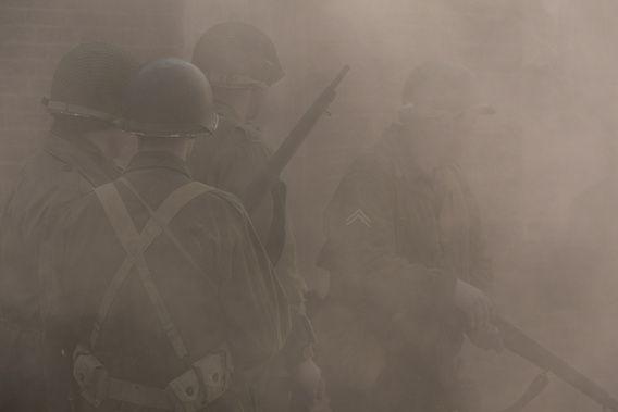 Nieuw in mijn Werk aan de Muur shop: Amerikaanse soldaten in de rook
