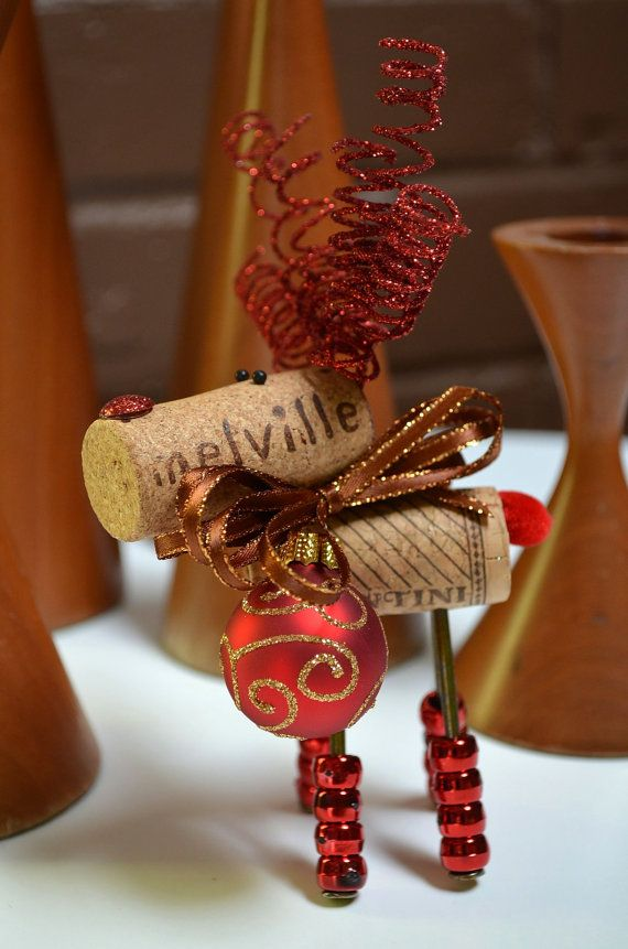 1000 images about wine cork crafts on pinterest diy - Como hacer adornos navidenos ...