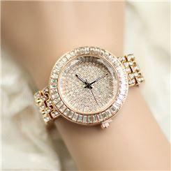 Tienen unos relojes de moda increíbles en esta Joyería http://www.joyeriasbizzarro.com/