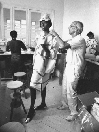 André Courrèges adjusting a dress, COURREGES, la femme moderne #styliste #courreges #deco #designer https://www.facebook.com/elagonedesign/ http://elagonedeco.blogspot.fr