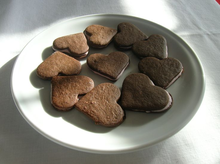 mint chocolate heart sandwich cookies | Wicked Cookies | Pinterest