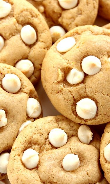 Lemon White Chocolate Chip Cookies Recipe – soft and chewy cookies with lemon zest and white chocolate. Sweet and tangy and so easy to make!