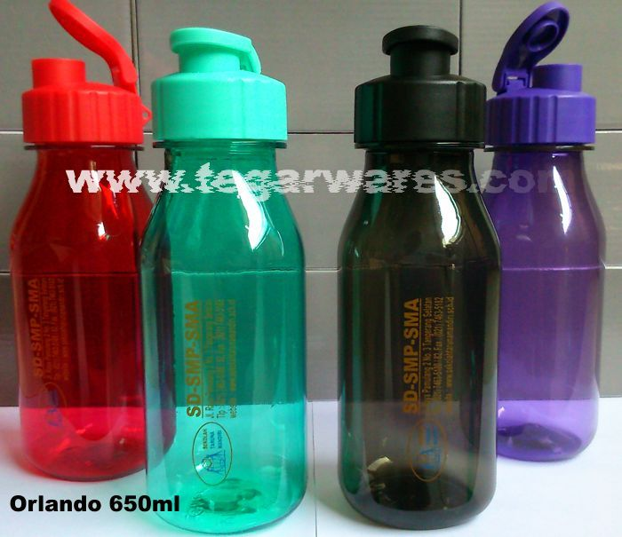 Orlando drinking bottle 650ml capacity, available in four colors: red, green, black and purple.  Proper options as a souvenirs for registration and enrollment of students and new students in the new academic year, the prize event competitions, sports competitions or championship event. Looks shown above bottle types Orlando ordered by Yayasan Sekolah Taruna Mandiri, Pamulang Tangerang Selatan, Banten Indonesia.