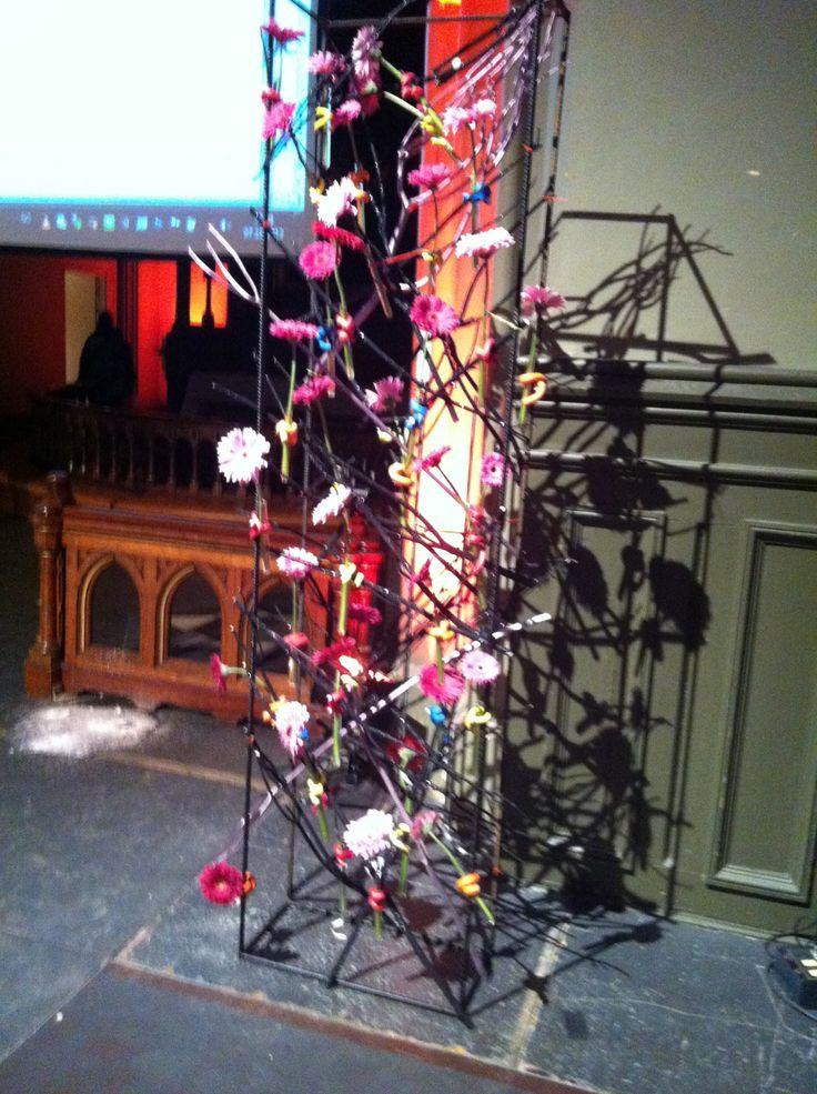 Egmont, intriørmesse 7.10.2013. Statsoverhode med pinner i svart og rosa/lilla, med germini