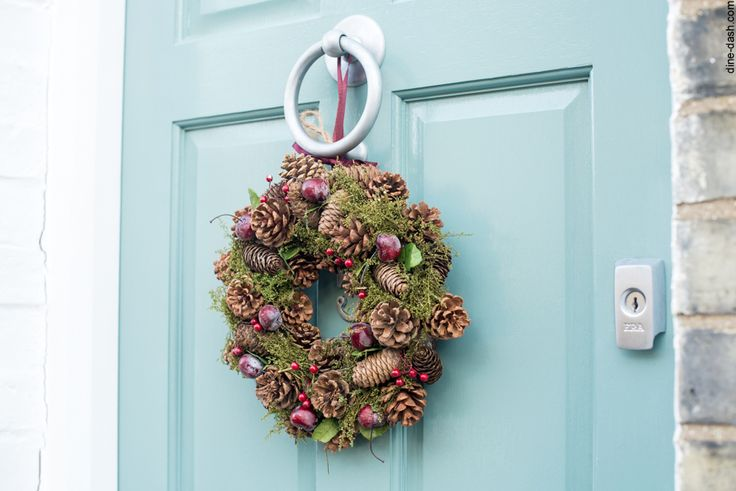Christmas decorations! #wreaths #christmas #decorations #doors #dinedashcom #december