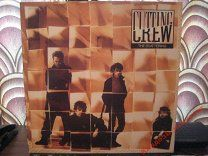 """LP: CUTTING CREW - The scattering (1989). Siren UK. - 1 $  Английская поп-рок-группа образованная в 1985. Наиболее известна публике супер хитом """"(I Just) Died in Your Arms"""" с которой группа дебютировала на первой строчке чартов США. Вокалист Nick Van Eede основал группу с Канадским гитаристом Kevin Scott MacMichael в 1985 году. Они сделали 2 демо записи для подписания контракта. Позже к ним присоединился бас гитарист Colin Farley и барабанщик Martin Beadle (в 1986 году). Первый альбом…"""